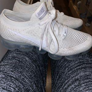 Nike air vapormax flyknit size 7